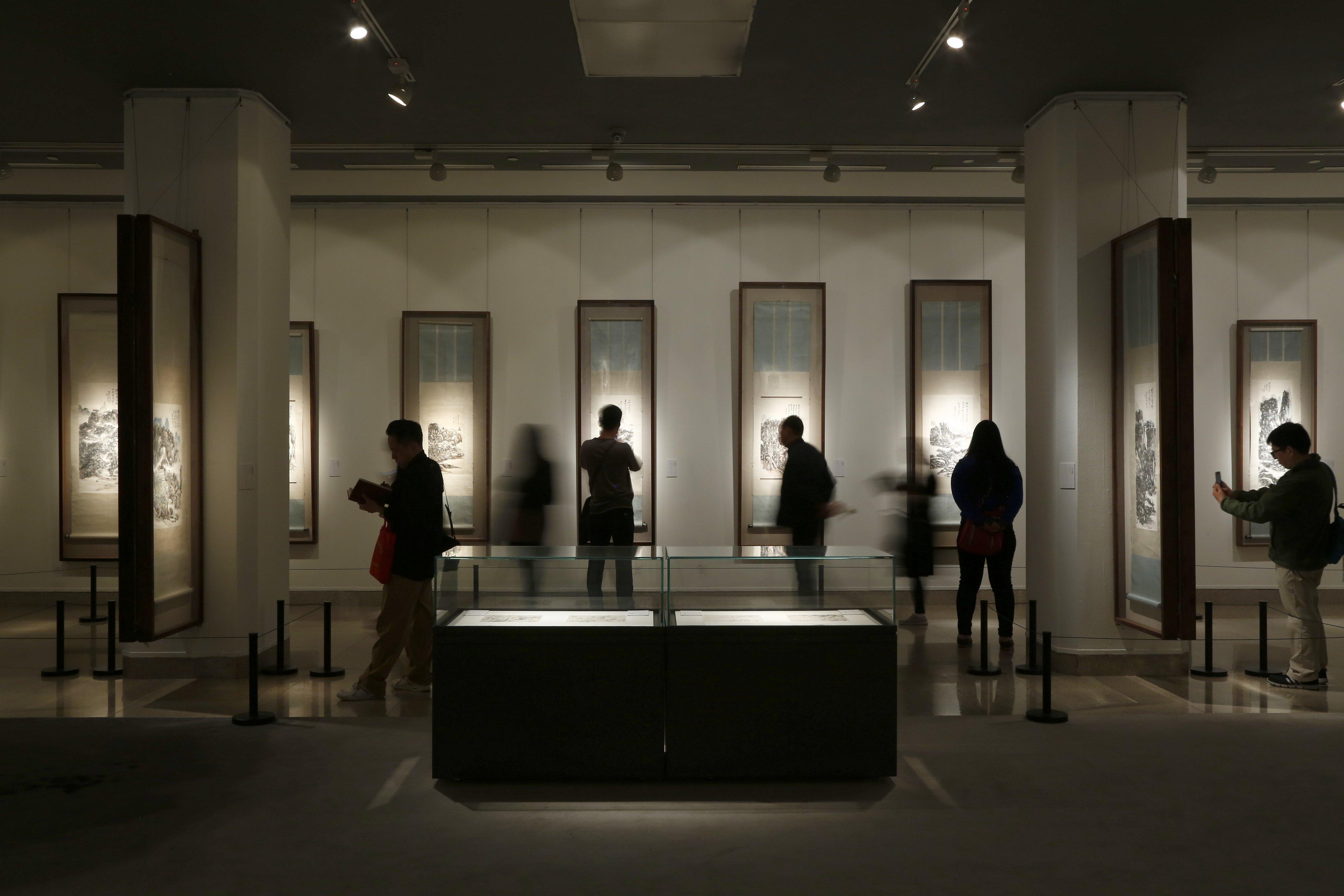 NAMOC Huang Binhong exhibition gallery, April 2015